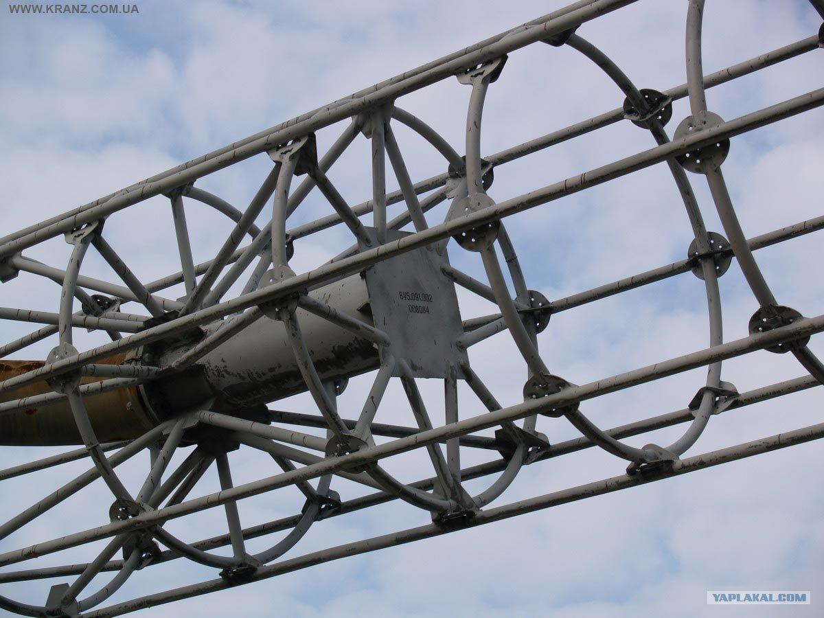 Detalle de una antena de jaula